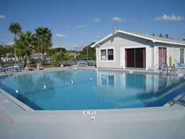 Affordable Fort Myers Florida Vacation Condos,2 Bedroom, 2 Bath, Spacious 1000 sq.ft. Monthly Winter Rentals! Snowbirds Welcome!